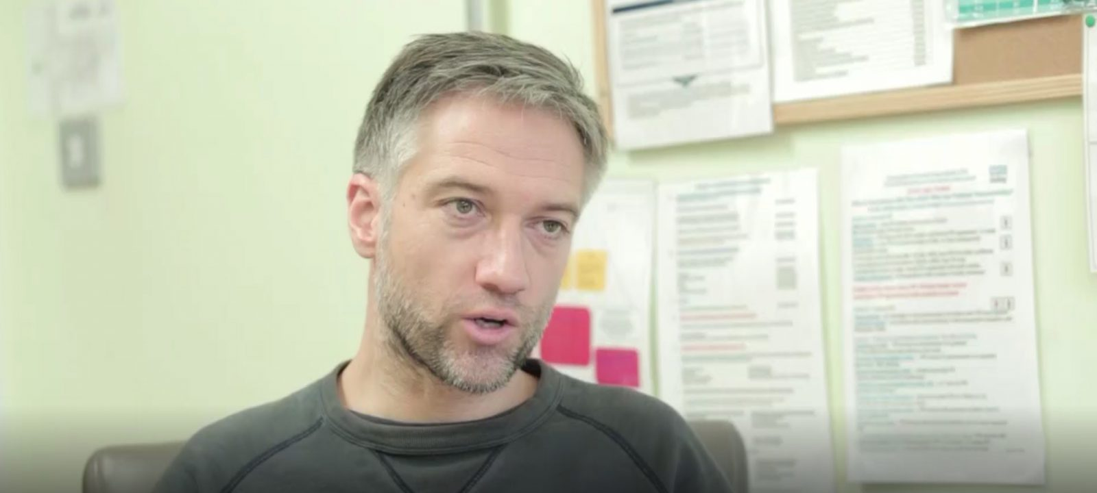 Consultation: middle-aged man with asthma and poor MDI technique